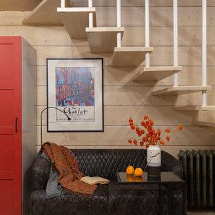 Пример оригинального дизайна: открытая гостиная комната среднего размера в стиле кантри с бежевыми стенами, светлым паркетным полом и бежевым полом