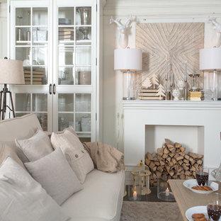 Foto di un soggiorno classico con pareti bianche