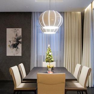 Идея дизайна: гостиная комната среднего размера в современном стиле с коричневыми стенами