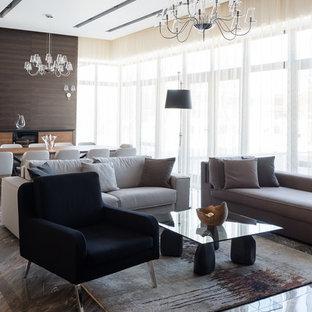 Idee per un grande soggiorno scandinavo aperto con pareti marroni, pavimento in marmo e pavimento grigio