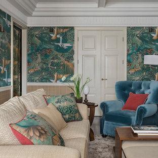 モスクワの大きいヴィクトリアン調のおしゃれなLDK (フォーマル、緑の壁、濃色無垢フローリング、据え置き型テレビ、茶色い床) の写真