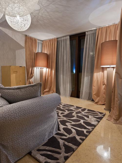 Inspiration Für Kleine, Abgetrennte Mediterrane Wohnzimmer Mit Beiger  Wandfarbe Und Marmorboden In Malaga