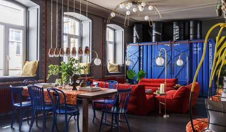 Houzz Tour: Bold Apartment Packs in Colour & City Culture