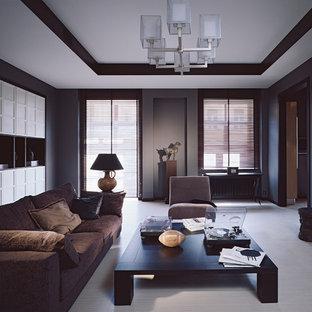 Foto de salón contemporáneo con paredes marrones, suelo de baldosas de cerámica, televisor retractable y suelo beige