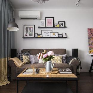Пример оригинального дизайна: гостиная комната среднего размера в современном стиле