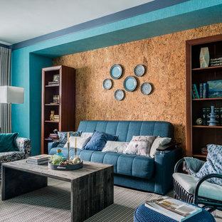 モスクワのコンテンポラリースタイルのおしゃれなリビング (青い壁、カーペット敷き、グレーの床) の写真