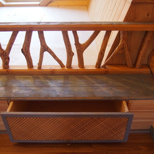 Лаунж-зона в деревянном доме