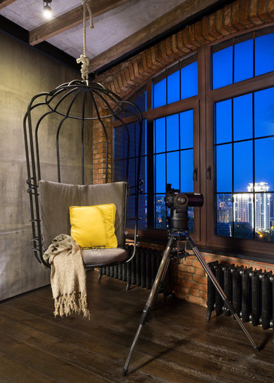 Industrial Living Room by Martin's