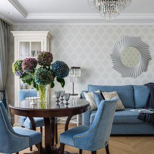 Идея дизайна: маленькая гостиная комната в стиле современная классика с серыми стенами, паркетным полом среднего тона и коричневым полом