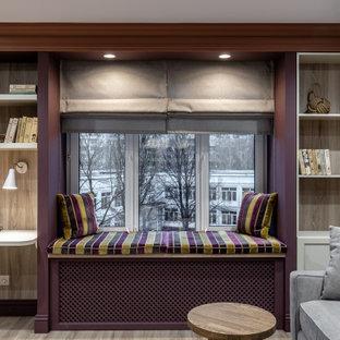 Стильный дизайн: гостиная комната в современном стиле с бежевым полом - последний тренд