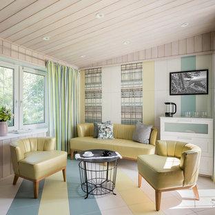 Пример оригинального дизайна интерьера: гостиная комната в современном стиле с разноцветным полом
