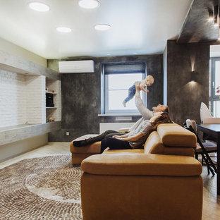 他の地域の中サイズのコンテンポラリースタイルのおしゃれなファミリールーム (ゲームルーム、黒い壁、レンガの暖炉まわり、壁掛け型テレビ、ベージュの床) の写真