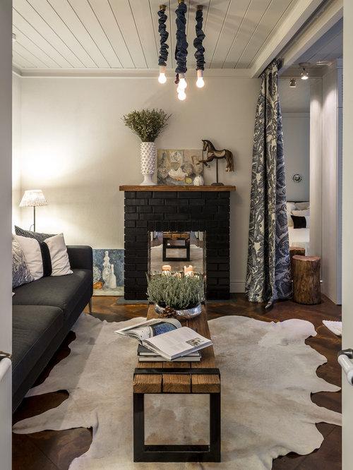 Kleine wohnzimmer mit kaminsims aus backstein ideen for Kleine wohnzimmer design