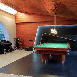 モスクワの大きいコンテンポラリースタイルのおしゃれなファミリールーム (ミュージックルーム、磁器タイルの床、両方向型暖炉、タイルの暖炉まわり、内蔵型テレビ、白い床、ベージュの壁) の写真