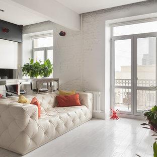 Идея дизайна: парадная, открытая гостиная комната в современном стиле с белыми стенами, светлым паркетным полом и белым полом