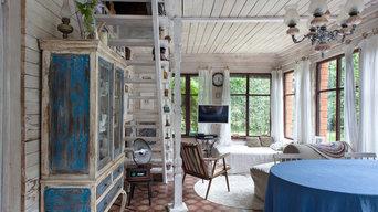 В гостях: Деревенский дачный домик с индийским шкафом