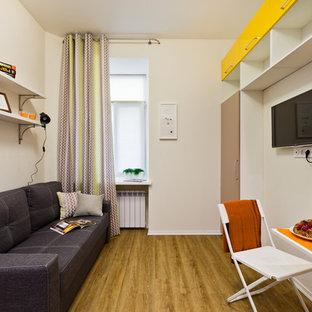 Яркая квартира-студия в центре Петербурга