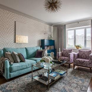Удачное сочетание для дизайна помещения: гостиная комната в стиле современная классика с серыми стенами, паркетным полом среднего тона и коричневым полом - самое интересное для вас