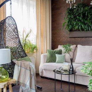 Источник вдохновения для домашнего уюта: гостиная комната в стиле шебби-шик с темным паркетным полом, коричневыми стенами и коричневым полом