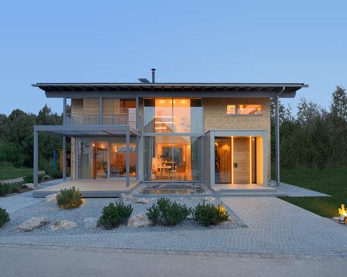 Moderne häuser satteldach holz  Beigefarbenes Haus mit Satteldach - Ideen, Design & Bilder