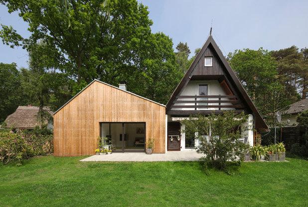Modern Häuser by ROLAND UNTERBUSCH ARCHITEKT