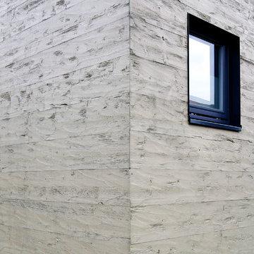 Außenfassade aus gehackter Thermofichte