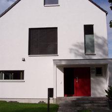 Modern Exterior by Ehrlich + Friedrich Architekten