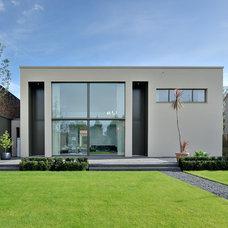 Modern Exterior Bauhaus-Look Haus & Fassade