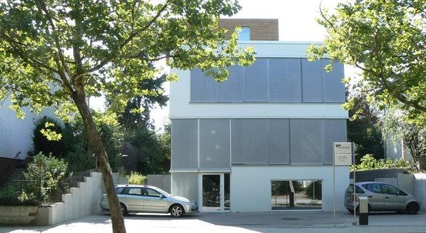 Фасад дома by Architekturbüro AW GmbH