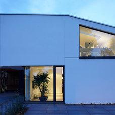 Contemporary Exterior by pier7 architekten BDA