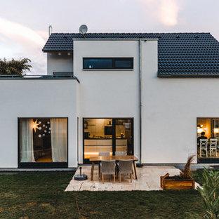 Zweistöckiges, Weißes Modernes Einfamilienhaus in Stuttgart