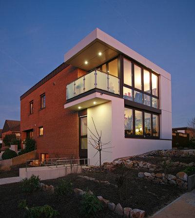 Contemporary Exterior by Thomas Becker Architekten  GmbH/ BDA