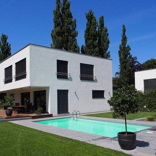 Zweistöckiges, Weißes Modernes Haus mit Flachdach in Dresden