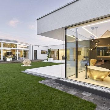 Glashaus - Flachdachvilla mit XXL Verglasung