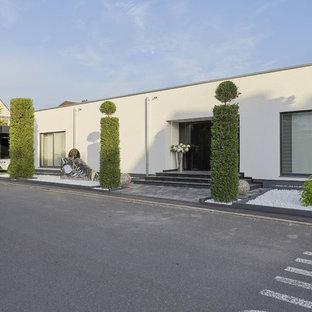Einstöckiges, Weißes Modernes Einfamilienhaus mit Flachdach in Stuttgart