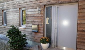 Glatte Haustür mit Seitenteil