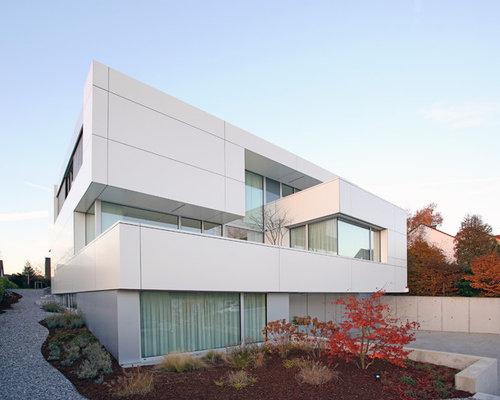 Geräumiges, Weißes Modernes Haus Mit Mix Fassade Und Flachdach In Dortmund