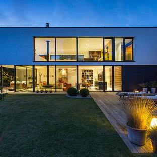Zweistöckiges, Weißes Modernes Haus mit Flachdach in Sonstige