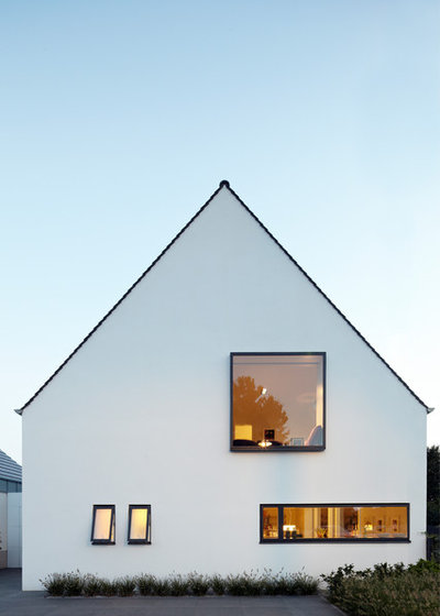 Modern Häuser by Lioba Schneider     Architekturfotografie