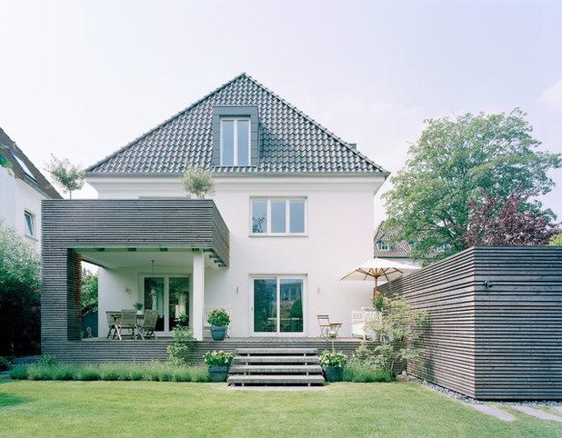 Trendy Hus & facade by bhp Architekten + Generalplaner GmbH