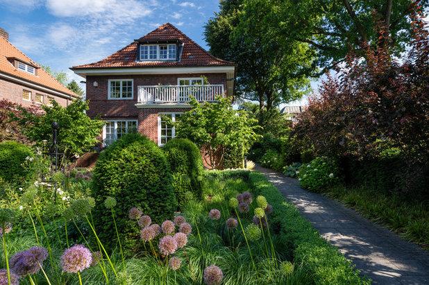 Klassisch Häuser by Bahl GmbH Gärtner von Eden®