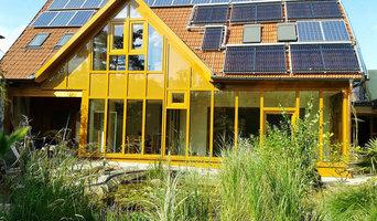 Helle Wohnräume mit Glas