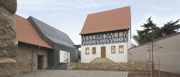 Rustikal Häuser by Morber Jennerich Architekten