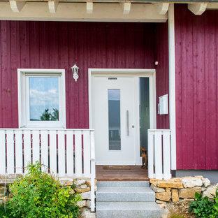 Idéer för ett litet skandinaviskt rött hus, med två våningar, sadeltak och tak med takplattor