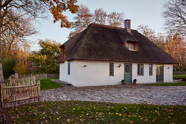 Country Exterior by grotheer architektur
