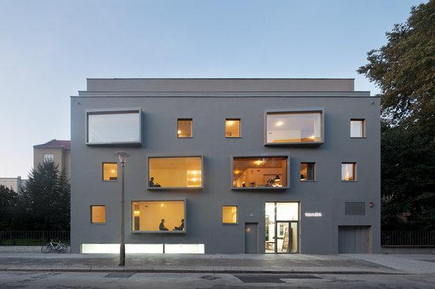 コンテンポラリー 家の外観 by BCO Architekten