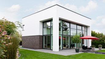 Moderne Stadtvilla mit Fensterfassade