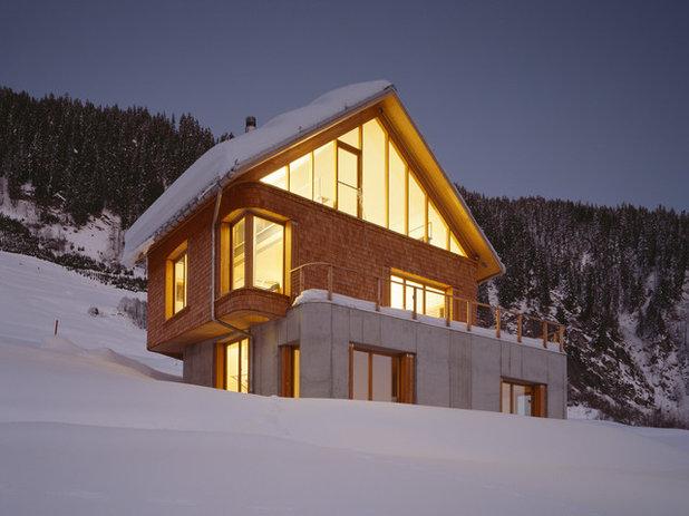 Современный Фасад дома by Drexler Guinand Jauslin Architekten GmbH