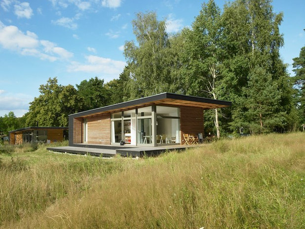 Contemporary Exterior by SOMMERHAUS PIU - YES WE WOOD