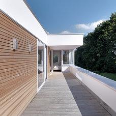 Contemporary Exterior by Leicht Küchen AG